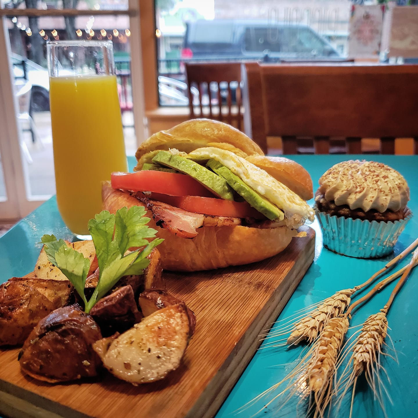 build your own sandwich at eggs and oats in downtown winter garden