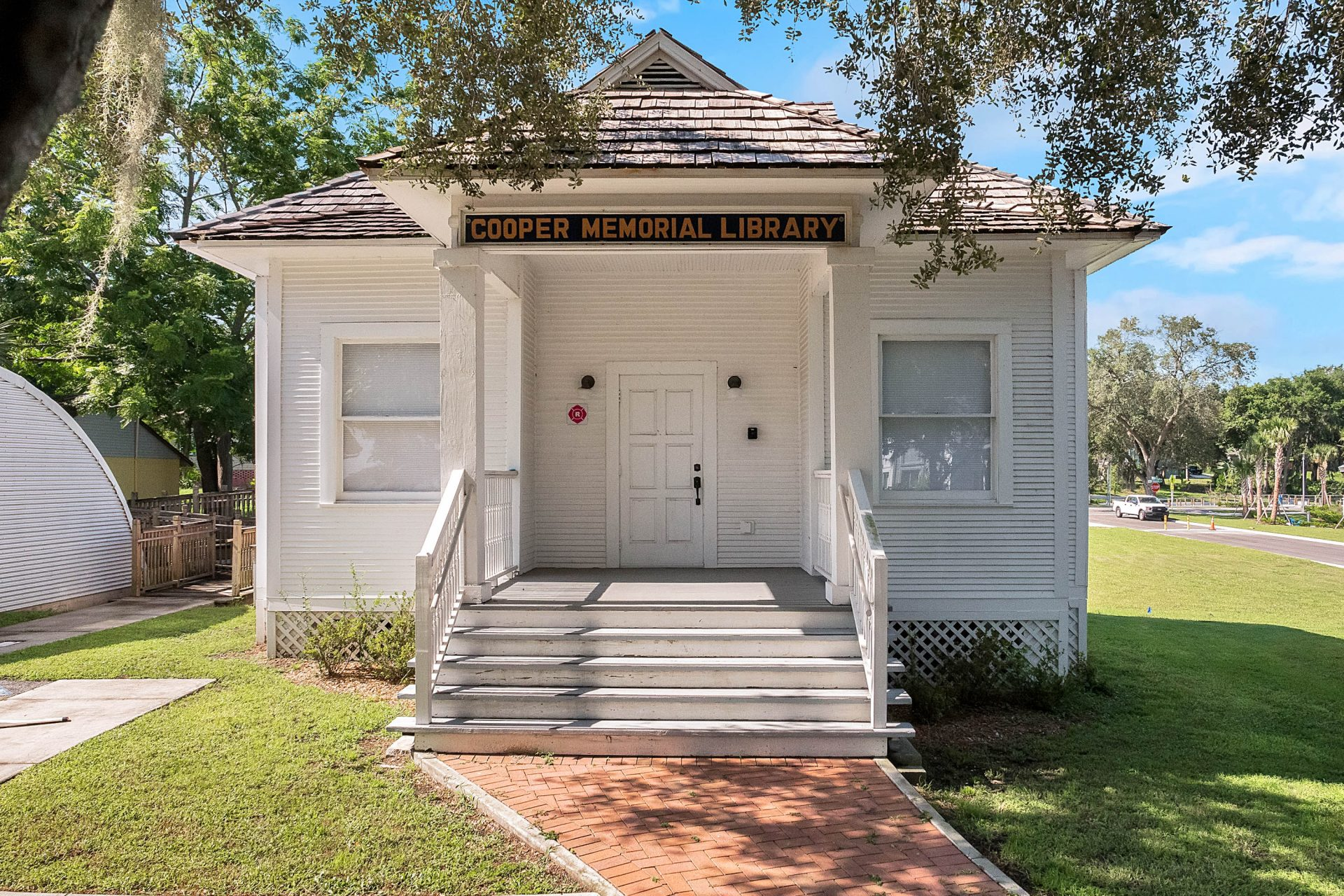 Cooper Memorial LIbrary Clermont Florida